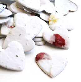 heart_confetti_petalled